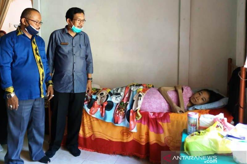 Warga Padang Pariaman kumpulkan donasi puluhan juta bantu ibu penderita tumor