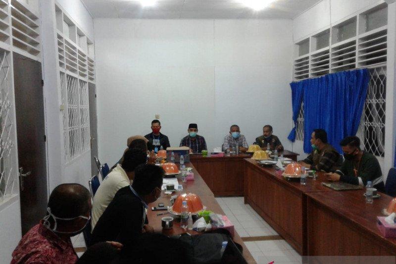Kota Baubau lakukan aksi menggunakan masker cegah penyebaran COVID-19