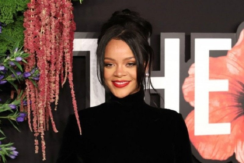 Rihanna jadi musikus terkaya dunia di urutan tiga