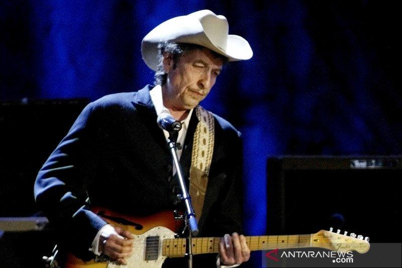 Dampak pandemi, Andrea Bocelli, Bob Dylan batal manggung di Hollywood Bowl