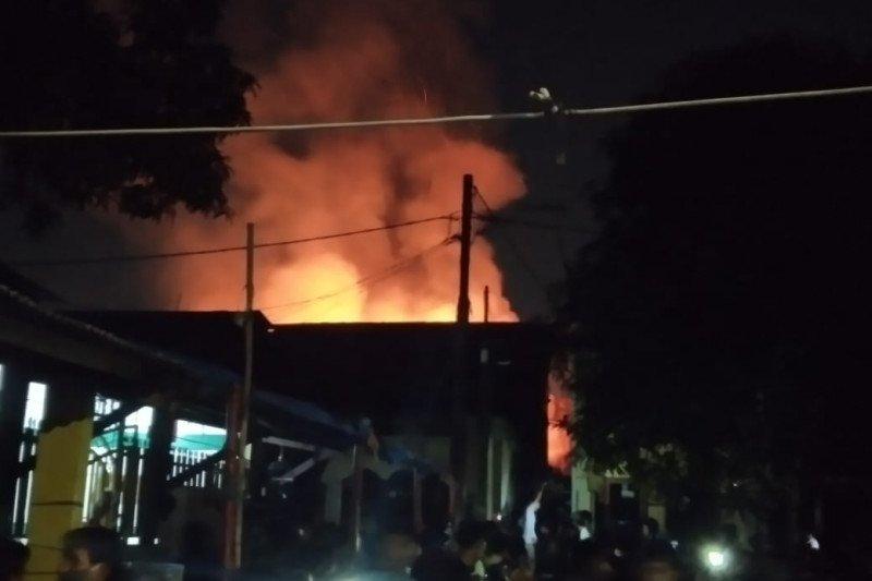 Bocor elpiji picu kebakaran di Tanjung Duren Jakarta Barat