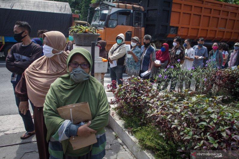 Pemerintah evaluasi prosedur penyaluran bantuan sosial corona