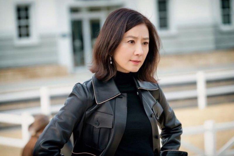 Kim Hee Ae bicarakan  perannya sebagai Ji Sun Woo