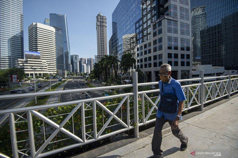 """Erick Thohir:  BUMN harus antisipasi skenario  """"the new normal"""""""