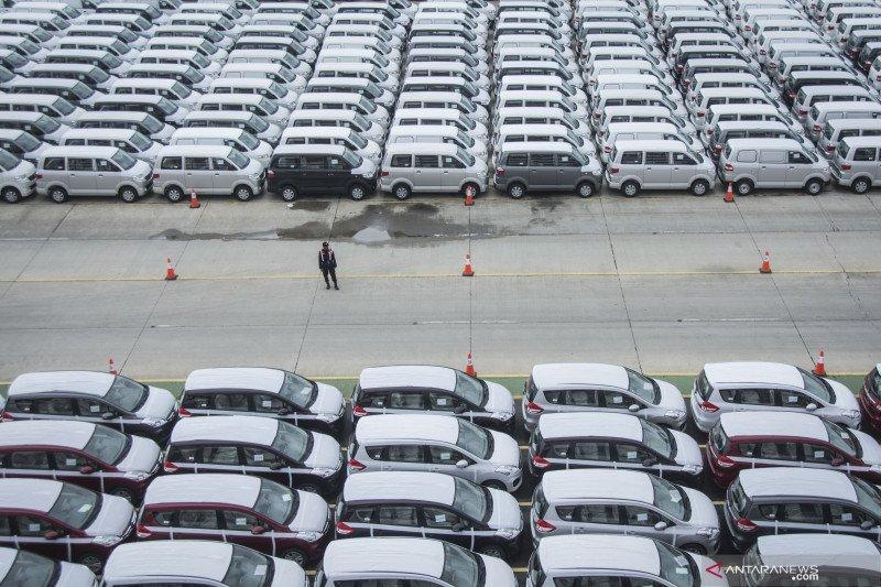 Penjualan mobil semua merek Indonesia anjlok 90,6 persen