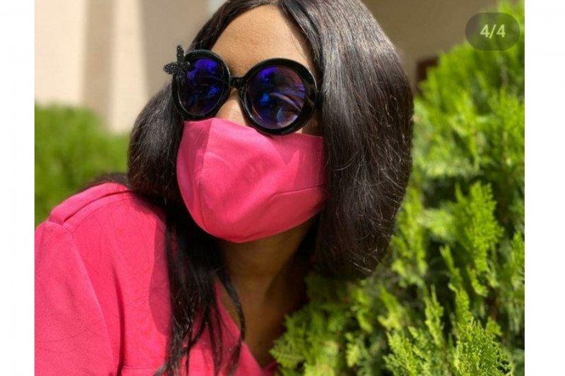 Di Afrika, masker kini jadi pelengkap gaya berbusana
