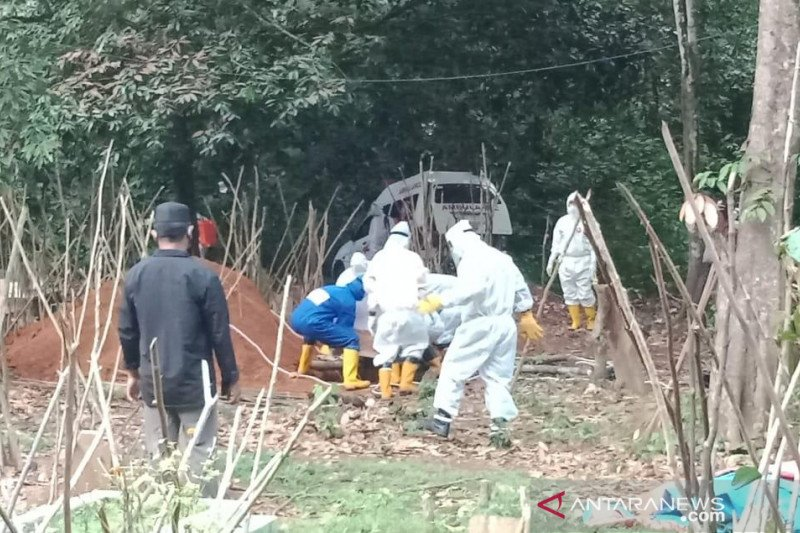 Dua jenazah PDP asal OKU dimakamkan sesuai protokol, hasil swab masih diproses di BBLK Palembang