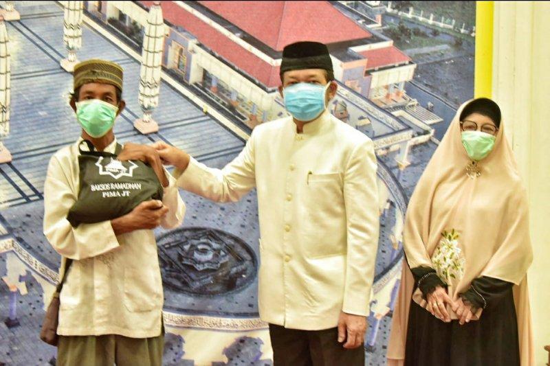Pengajian Ibu-ibu MAJT Salurkan 1.290 paket sembako kepada dhuafa