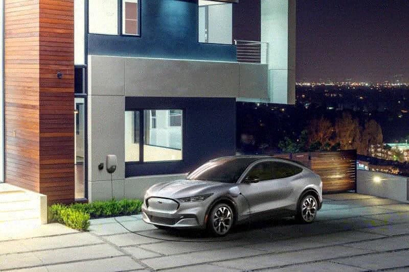 Cukup 10 menit, mobil listrik Ford Mustang March-E mampu capai 100 km