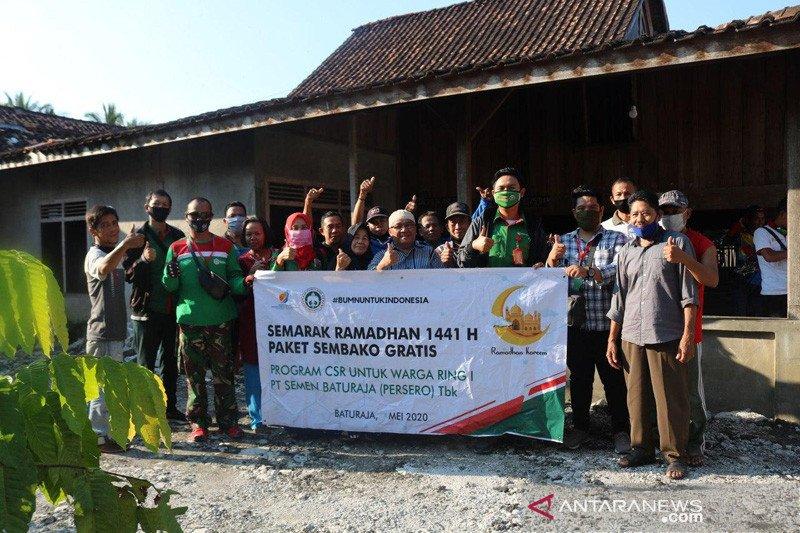 Semen Baturaja salurkan 18.450 paket sembako untuk warga di sekitar Pabrik