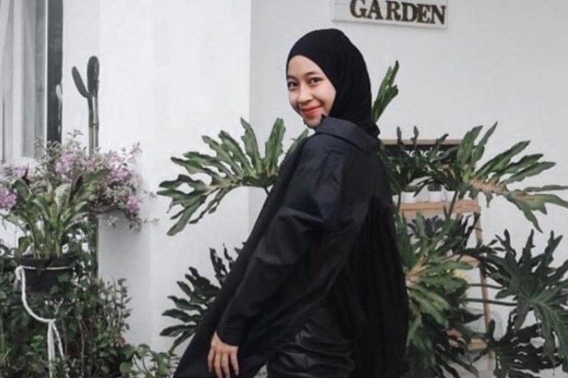 Putri mendiang Ustadz Jefri Al Buchori, Adiba Uje sempat merasa terbebani bawakan lagu ayahnya