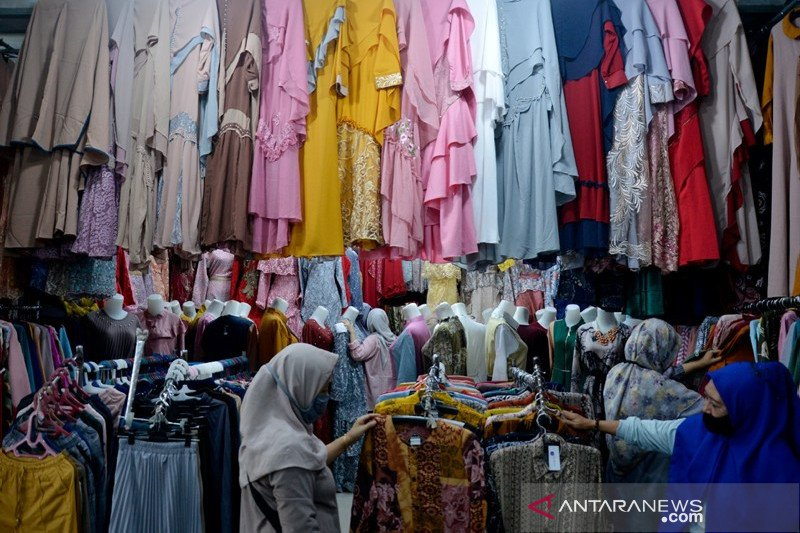 Toko pakaian di Gowa ramai pengunjung jelang Lebaran