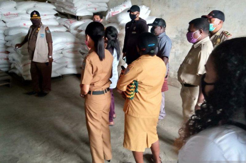 TPID Kota Sorong inspeksi sejumlah distributor sembako jelang Idul Fitri