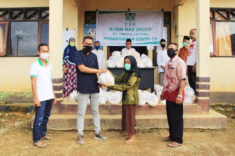 PT Unggul Lestari kembali berikan ratusan sembako untuk masyarakat desa sekitar perusahaan