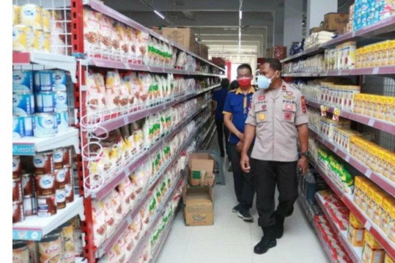 Polisi kesulitan terapkan protokol COVID-19 di pasar tradisional Kota Kupang