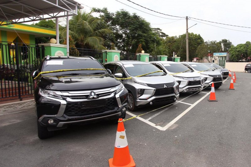 Oknum polisi pelaku penggelapan 83 mobil ditangkap