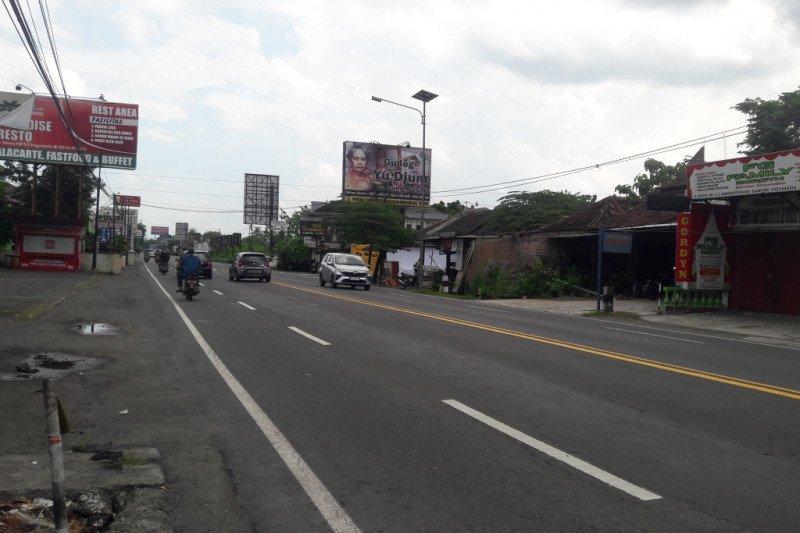"Arus lalu lintas Jalan Wates ""H-4"" Lebaran terpantau landai"