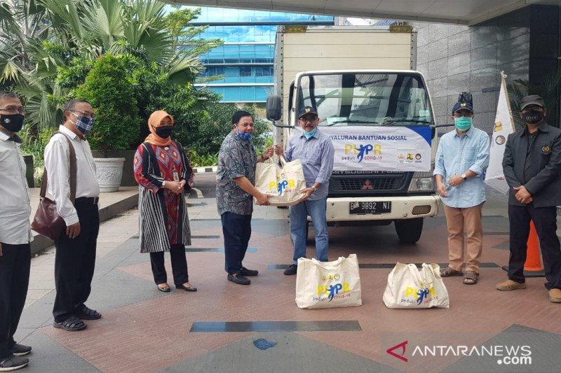 Kementerian PUPR gandeng PWI Peduli salurkan paket sembako kepada wartawan