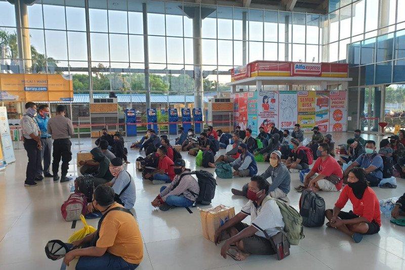 Meski mudik dilarang, penumpang di Pelabuhan Bakauheni justru mencapai 4.280 orang