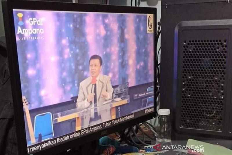 Umat Kristen ibadah live streaming rayakan Kenaikan Yesus