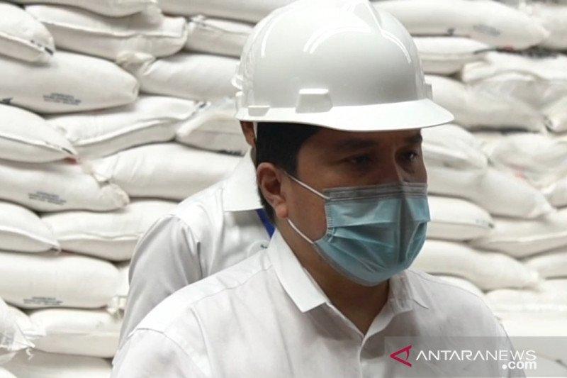 Erick Thohir  sidak ke Gudang Bulog di Bandung