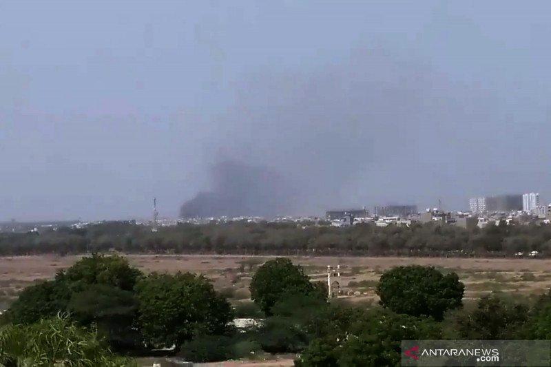 Pesawat Pakistan jatuh di Karachi, tidak ada penumpang WNI