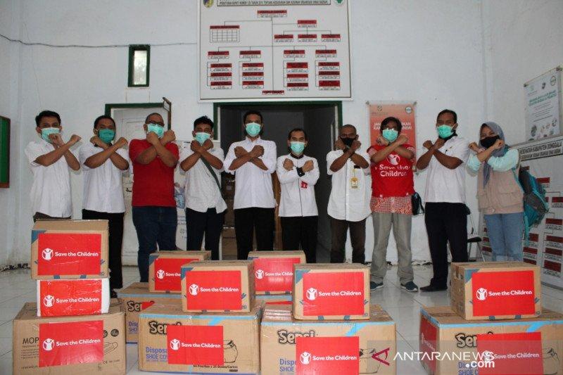 Pemkab Donggala mendapat bantuan ratusan APD dari Save The Children