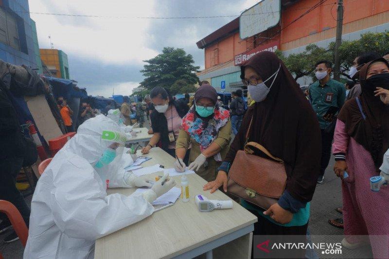 Rapid test di Pasar Merdeka Bogor temukan lima reaktif