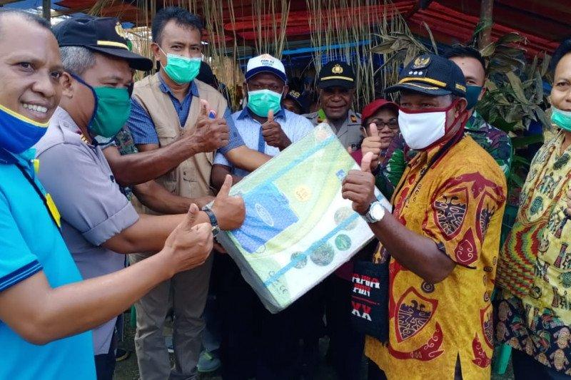 Dinas Tanaman Pangan Jayapura serahkan bantuan 'handsprayer' kepada warga