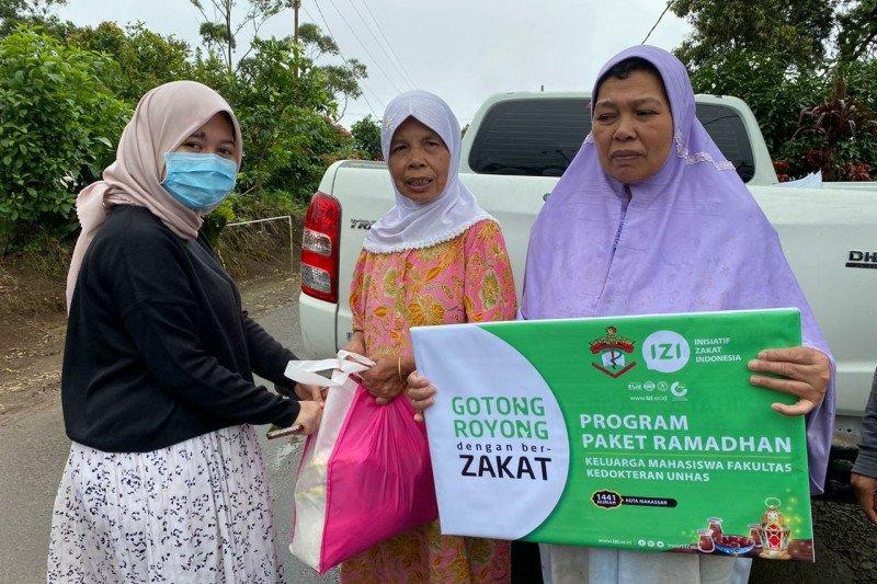 FK Unhas dan IZI salurkan bantuan untuk warga Kabupten Gowa