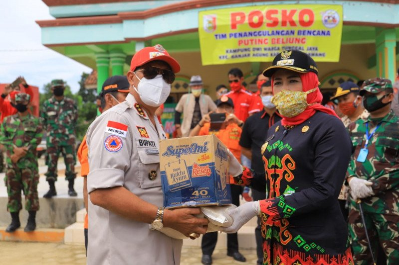 Bupati Lampung Tengah bantu warga Tulangbawang korban puting beliung