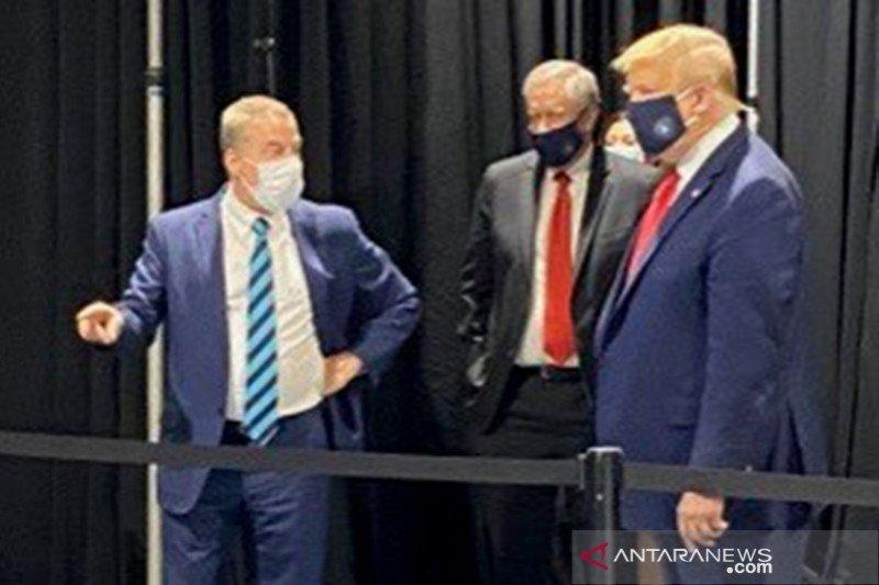Sering terlihat tanpa masker, Kepala Staf Gedung Putih Mark Meadows  positif COVID-19