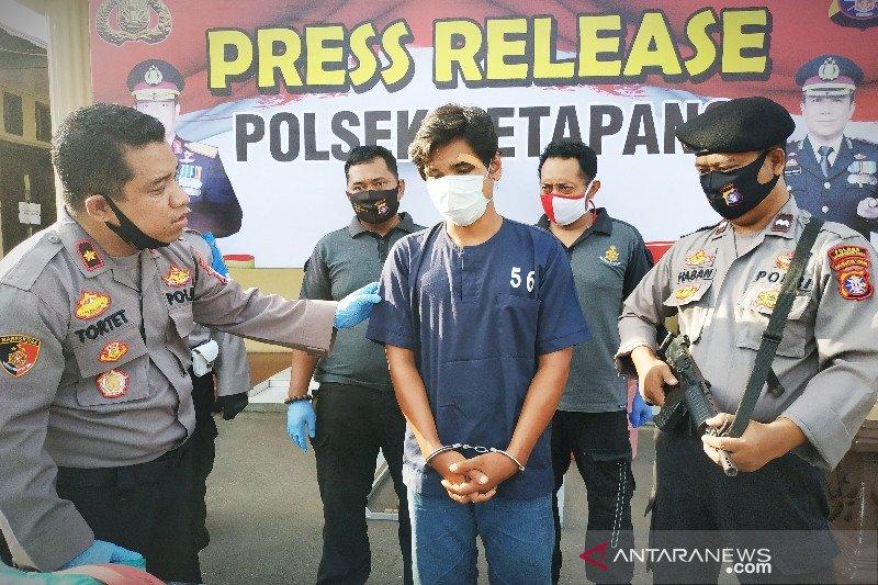 Tersangka pembunuh ini ditangkap setelah buron setahun