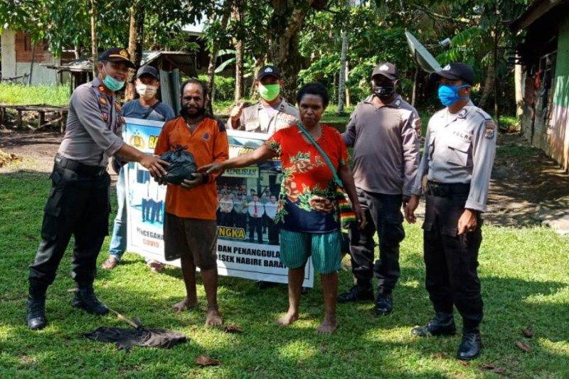 Polsek Sota bagikan sembako di perbatasan RI-PNG jelang Idul Fitri
