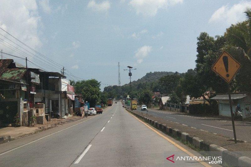 Arus kendaraan di Jalur Pantura Batang-Pemalang masih lengang