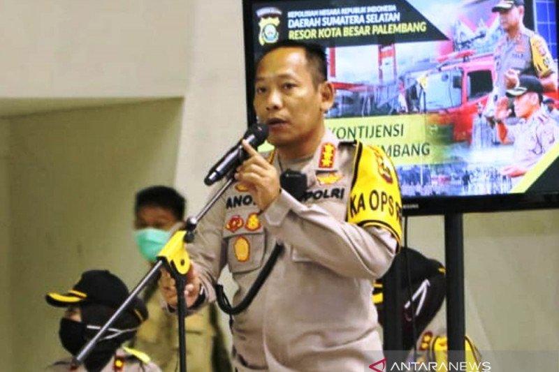 Ratusan personel Polrestabes diturunkan bubarkan konvoi takbiran di Kota Palembang
