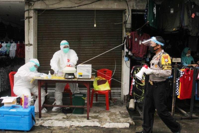 Rapid Test Di Pasar Manukan Kota Surabaya