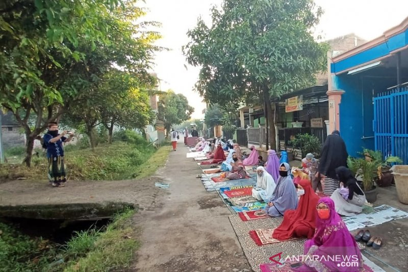 Bupati Bandung minta warga jalankan protokol kesehatan