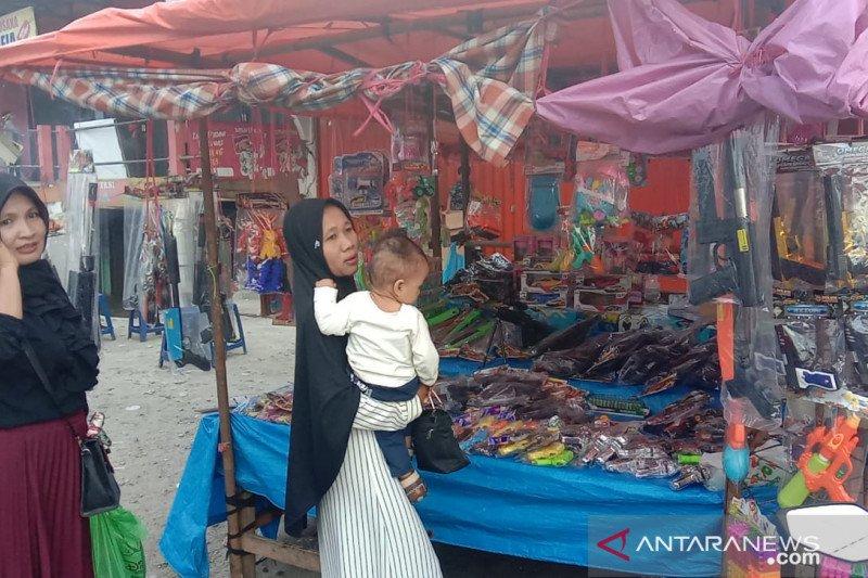 Lebaran di tengah pandemi, pedagang mainan di Pasaman Barat sepi pembeli (Video)