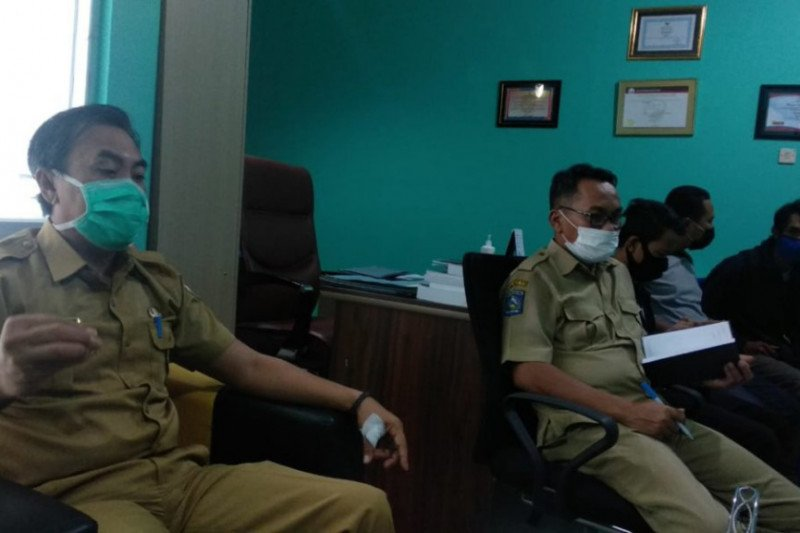 Karena keluarga pasien tak jujur, 75 petugas medis RSUD Sumbawa diisolasi