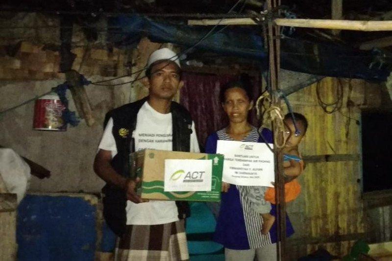 ACT Lampung beri bantuan warga terdampak gelombang pasang