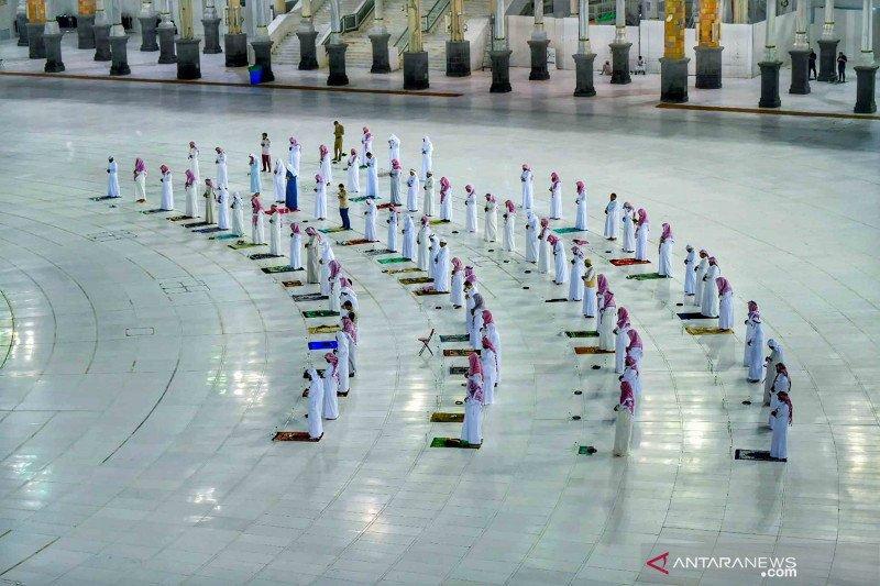 Arab Saudi kembali buka masjid dengan protokol kesehatan ketat