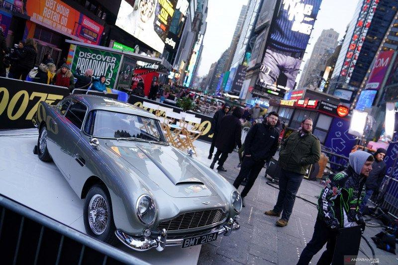 Mobil di film James Bond, Aston Martin DB5 akan diproduksi kembali
