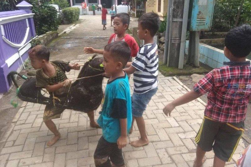 Permainan kuda lumping di pedalaman Banten masih lestari
