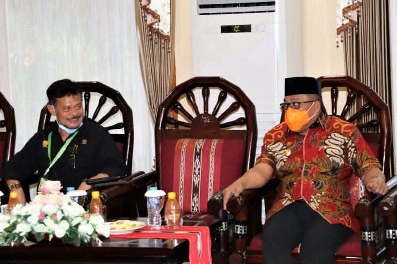 Minister Limpo to expand Seram Island