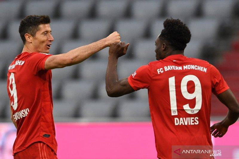 Dwigol Lewandowski perkokoh kemenangan Bayern atas Duesseldorf