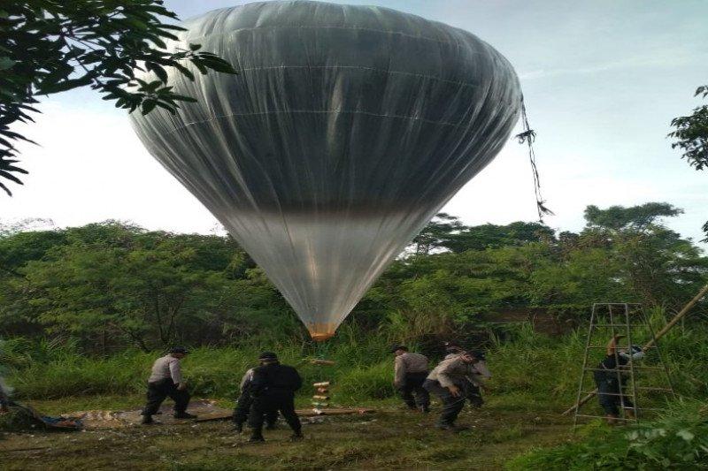 Polresta Pekalongan sita ratusan  balon dan petasan