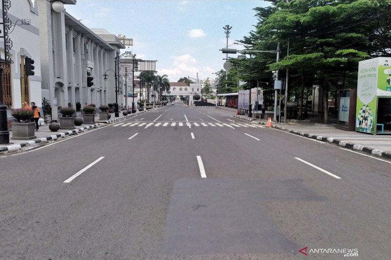 Seluruh jalan Kota Bandung segera dibuka kembali