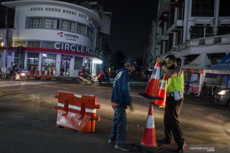 Jika kasus COVID-19 meningkat, PSBB di Bandung diterapkan kembali