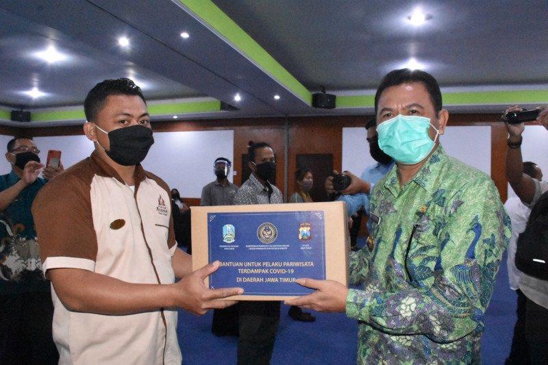 Kemenparekraf bantu paket bahan pokok buat pelaku pariwisata di Mojokerto Jatim